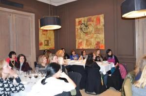 Numerosas asistentes al primer encuentro mensual de AMMDE en 2015.