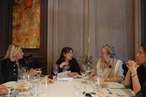 Sara Navarro presentando a Pilar Citoler.