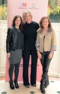 Laura Ruiz de Galarreta (Directora General de la Mujer), Margarita Álvarez y Charo Izquierdo.