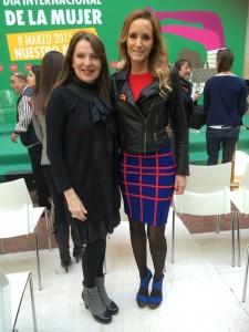 Sara Navarro, Presidenta de AMMDE, con Sandra Ibarra, durante el acto de la Comunidad de Madrid para conmemorar el Día Internacional de la Mujer.