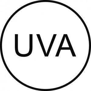 Logotipo homologado que indica que los fotoprotectores protegen también de los rayos UVA.