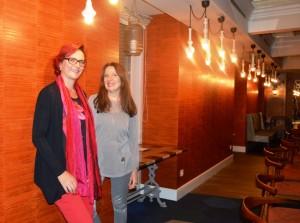 Eva Snijders y Sara Navarro (Presidenta de AMMDE)