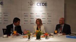 Mario Armero, María Dolores Dancausa y Manuel Gago (Vicepresidente de CEDE)
