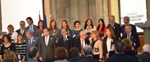 Foto final de Presidente, Mariano Rajoy, con los premiados y otros miembros del Gobierno.