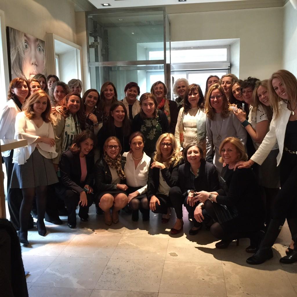 Foto de grupo al final del almuerzo.