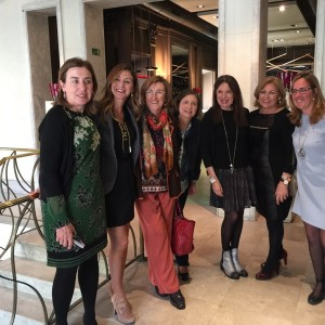 Rosa Urbón con Sara Navarro y algunas de las integrantes de la Junta Directiva de OMEP (Organización de Mujeres Empresarias y Profesionales de Murcia)