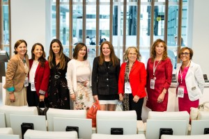 Las ponentes del segundo bloque, con la Presidenta Sara Navarro.