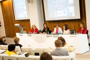 La segunda mesa redonda, centrada en el emprendimiento digital femenino, contó con Eloísa Alonso, María Rodríguez, Inmaculada García Lozano, Charo Izquierdo y Roda Díaz Moles.