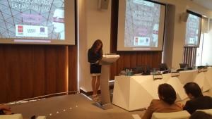 La Presidenta de AMMDE, Sara Navarro, clausuró el acto con los agradecimientos y animando a las presentes a difundir y transmitir todas las buenas ideas y mensajes expresados durante la Jornada.