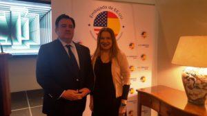El Embajador de EEUU en España, Duke Buchan III, y la Presidenta de AMMDE, Sara Navarro